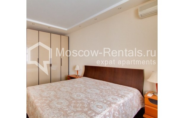 "Photo #5 2-room (1 BR) apartment <u>for a long-term rent</u> (<a href=""http://moscow-rentals.ru/en/articles/long-term-rent"" target=""_blank"">FAQ</a>)    in Russia, Moscow, Staropimenovskyi lane, 12/6"