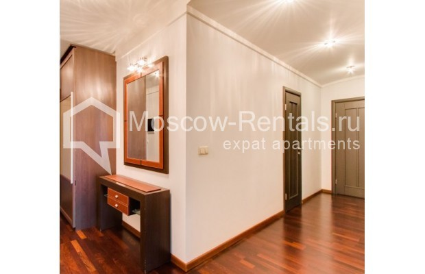 "Photo #10 2-room (1 BR) apartment <u>for a long-term rent</u> (<a href=""http://moscow-rentals.ru/en/articles/long-term-rent"" target=""_blank"">FAQ</a>)    in Russia, Moscow, Staropimenovskyi lane, 12/6"