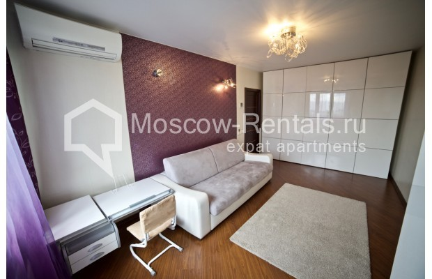 "Photo #4 2-room (1 BR) apartment <u>for a long-term rent</u> (<a href=""http://moscow-rentals.ru/en/articles/long-term-rent"" target=""_blank"">FAQ</a>)    in Russia, Moscow, Osennyi blv, 12 К 11"