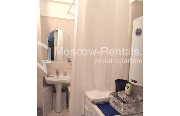 "Photo #8 2-room (1 BR) apartment <u>for a long-term rent</u> (<a href=""http://moscow-rentals.ru/en/articles/long-term-rent"" target=""_blank"">FAQ</a>)    in Russia, Moscow, Tverskaya str, 6 С 3"