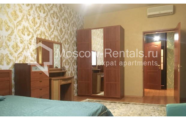 "Photo #2 2-room (1 BR) apartment for <a href=""http://moscow-rentals.ru/en/articles/long-term-rent"" target=""_blank"">a long-term</a> rent  in Russia, Moscow, 4th Tverskaya-Yamskaya str, 6/12"