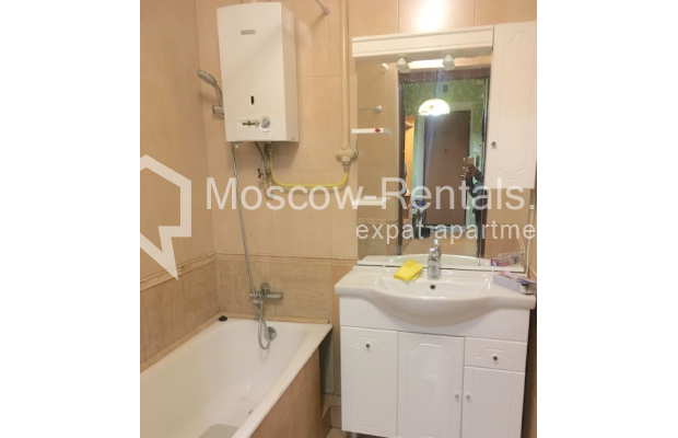 "Photo #7 2-room (1 BR) apartment for <a href=""http://moscow-rentals.ru/en/articles/long-term-rent"" target=""_blank"">a long-term</a> rent  in Russia, Moscow, 4th Tverskaya-Yamskaya str, 6/12"