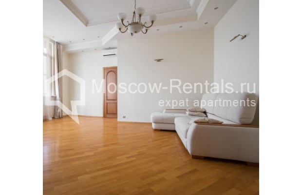 "Photo #3 4-room (3 BR) apartment <u>for a long-term rent</u> (<a href=""http://moscow-rentals.ru/en/articles/long-term-rent"" target=""_blank"">FAQ</a>)    in Russia, Moscow, Shabolovka str, 10к1"