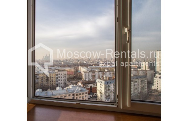 "Photo #11 4-room (3 BR) apartment <u>for a long-term rent</u> (<a href=""http://moscow-rentals.ru/en/articles/long-term-rent"" target=""_blank"">FAQ</a>)    in Russia, Moscow, Shabolovka str, 10к1"