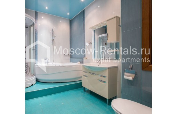 "Photo #12 4-room (3 BR) apartment <u>for a long-term rent</u> (<a href=""http://moscow-rentals.ru/en/articles/long-term-rent"" target=""_blank"">FAQ</a>)    in Russia, Moscow, Shabolovka str, 10к1"