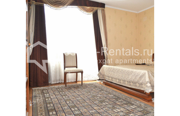 """Photo #8 3-room (2 BR) apartment <u>for a long-term rent</u> (<a href=""""http://moscow-rentals.ru/en/articles/long-term-rent"""" target=""""_blank"""">FAQ</a>)    in Russia, Moscow, Shabolovka str, 23к2"""
