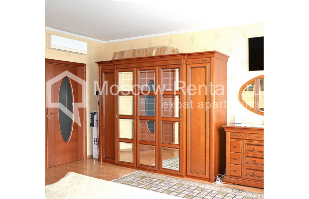 """Photo #10 3-room (2 BR) apartment <u>for a long-term rent</u> (<a href=""""http://moscow-rentals.ru/en/articles/long-term-rent"""" target=""""_blank"""">FAQ</a>)    in Russia, Moscow, Shabolovka str, 23к2"""