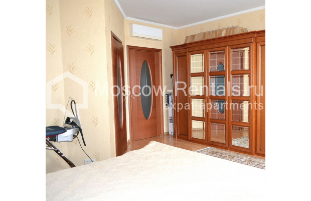 """Photo #9 3-room (2 BR) apartment <u>for a long-term rent</u> (<a href=""""http://moscow-rentals.ru/en/articles/long-term-rent"""" target=""""_blank"""">FAQ</a>)    in Russia, Moscow, Shabolovka str, 23к2"""