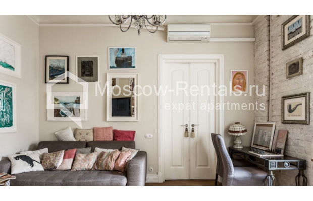 Photo #3 3-room (2 BR) apartment <u>for sale</u> in Russia, Moscow, Bolshoi Kozikhinskyi lane, 31С2