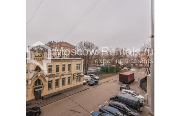 "Photo #13 4-room (3 BR) apartment <u>for a long-term rent</u> (<a href=""http://moscow-rentals.ru/en/articles/long-term-rent"" target=""_blank"">FAQ</a>)    in Russia, Moscow, Ovchinnkovskyi lane, 10"