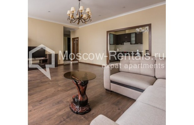 "Photo #3 4-room (3 BR) apartment <u>for a long-term rent</u> (<a href=""http://moscow-rentals.ru/en/articles/long-term-rent"" target=""_blank"">FAQ</a>)    in Russia, Moscow, Ovchinnkovskyi lane, 10"