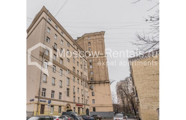 "Photo #14 4-room (3 BR) apartment <u>for a long-term rent</u> (<a href=""http://moscow-rentals.ru/en/articles/long-term-rent"" target=""_blank"">FAQ</a>)    in Russia, Moscow, Ovchinnkovskyi lane, 10"