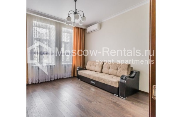 "Photo #8 4-room (3 BR) apartment <u>for a long-term rent</u> (<a href=""http://moscow-rentals.ru/en/articles/long-term-rent"" target=""_blank"">FAQ</a>)    in Russia, Moscow, Ovchinnkovskyi lane, 10"