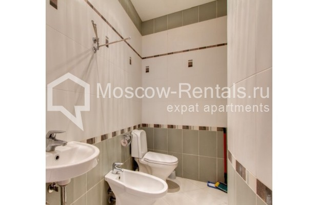 "Photo #4 3-room (2 BR) apartment <u>for a long-term rent</u> (<a href=""http://moscow-rentals.ru/en/articles/long-term-rent"" target=""_blank"">FAQ</a>)    in Russia, Moscow, Shabolovka str, 23 к 3"
