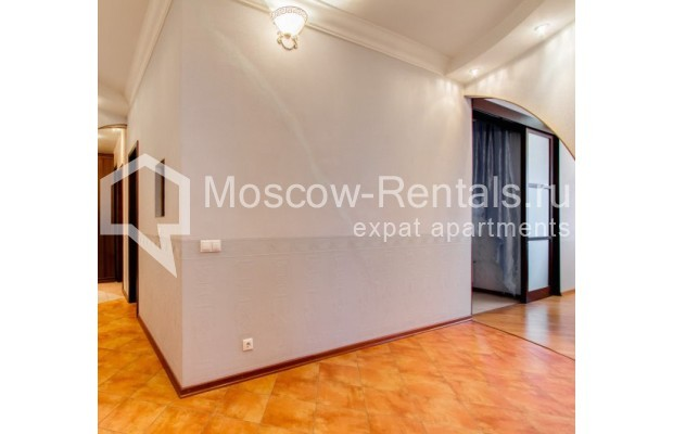 "Photo #9 3-room (2 BR) apartment <u>for a long-term rent</u> (<a href=""http://moscow-rentals.ru/en/articles/long-term-rent"" target=""_blank"">FAQ</a>)    in Russia, Moscow, Shabolovka str, 23 к 3"
