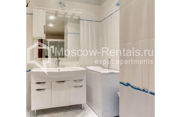 "Photo #11 3-room (2 BR) apartment <u>for a long-term rent</u> (<a href=""http://moscow-rentals.ru/en/articles/long-term-rent"" target=""_blank"">FAQ</a>)    in Russia, Moscow, Shabolovka str, 23 к 3"