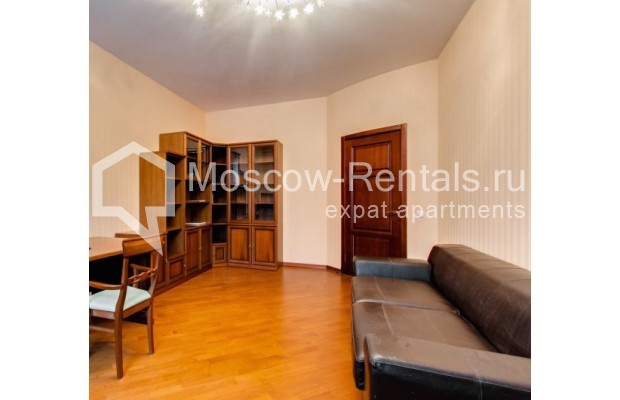 "Photo #6 3-room (2 BR) apartment <u>for a long-term rent</u> (<a href=""http://moscow-rentals.ru/en/articles/long-term-rent"" target=""_blank"">FAQ</a>)    in Russia, Moscow, Shabolovka str, 23 к 3"