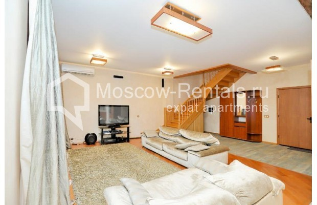 """Photo #1 3-room (2 BR) apartment <u>for a long-term rent</u> (<a href=""""http://moscow-rentals.ru/en/articles/long-term-rent"""" target=""""_blank"""">FAQ</a>)    in Russia, Moscow, Klimentovskyi lane, 2"""