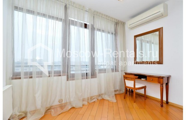 """Photo #10 3-room (2 BR) apartment <u>for a long-term rent</u> (<a href=""""http://moscow-rentals.ru/en/articles/long-term-rent"""" target=""""_blank"""">FAQ</a>)    in Russia, Moscow, Klimentovskyi lane, 2"""
