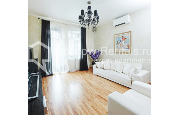 "Photo #1 2-room (1 BR) apartment <u>for a long-term rent</u> (<a href=""http://moscow-rentals.ru/en/articles/long-term-rent"" target=""_blank"">FAQ</a>)    in Russia, Moscow, Tverskaya str, 4"