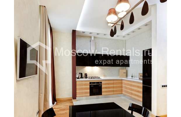 "Photo #3 2-room (1 BR) apartment <u>for a long-term rent</u> (<a href=""http://moscow-rentals.ru/en/articles/long-term-rent"" target=""_blank"">FAQ</a>)    in Russia, Moscow, Tverskaya str, 4"