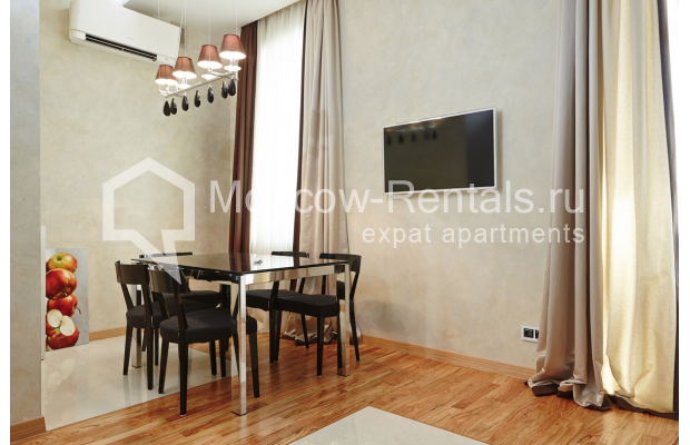 "Photo #4 2-room (1 BR) apartment <u>for a long-term rent</u> (<a href=""http://moscow-rentals.ru/en/articles/long-term-rent"" target=""_blank"">FAQ</a>)    in Russia, Moscow, Tverskaya str, 4"
