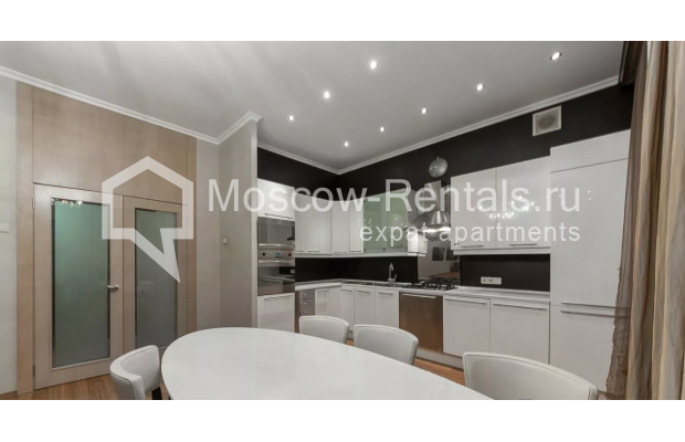 Photo #3 3-room (2 BR) apartment <u>for sale</u> in Russia, Moscow, Brusov lane, 2/14С1