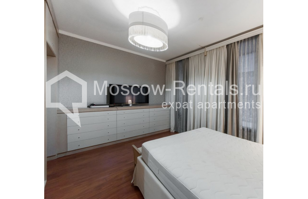 Photo #4 3-room (2 BR) apartment <u>for sale</u> in Russia, Moscow, Brusov lane, 2/14С1