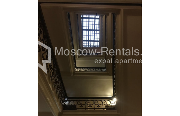 Photo #12 3-room (2 BR) apartment <u>for sale</u> in Russia, Moscow, Trekhprudnyi lane, 11/13С2