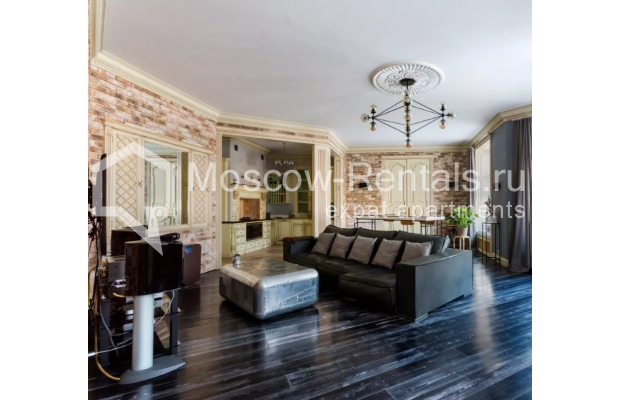 Photo #1 3-room (2 BR) apartment <u>for sale</u> in Russia, Moscow, Petrovka str, 17С3