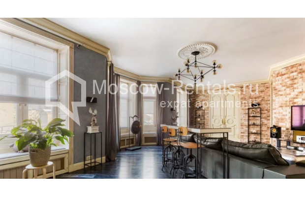 Photo #2 3-room (2 BR) apartment <u>for sale</u> in Russia, Moscow, Petrovka str, 17С3