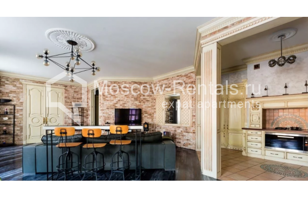 Photo #4 3-room (2 BR) apartment <u>for sale</u> in Russia, Moscow, Petrovka str, 17С3