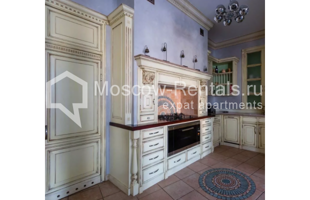 Photo #5 3-room (2 BR) apartment <u>for sale</u> in Russia, Moscow, Petrovka str, 17С3