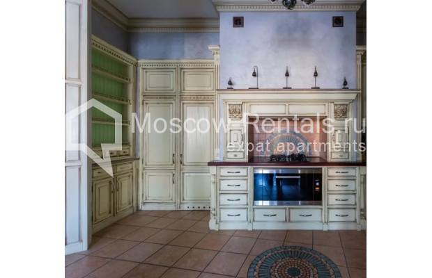 Photo #6 3-room (2 BR) apartment <u>for sale</u> in Russia, Moscow, Petrovka str, 17С3