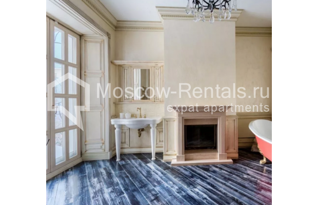 Photo #11 3-room (2 BR) apartment <u>for sale</u> in Russia, Moscow, Petrovka str, 17С3