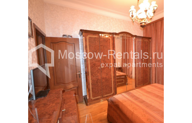 "Photo #4 3-room (2 BR) apartment for <a href=""http://moscow-rentals.ru/en/articles/long-term-rent"" target=""_blank"">a long-term</a> rent  in Russia, Moscow, Sytinskyi lane, 7/14"