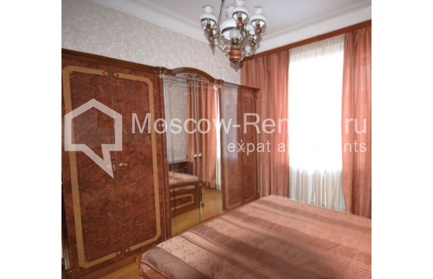 "Photo #6 3-room (2 BR) apartment for <a href=""http://moscow-rentals.ru/en/articles/long-term-rent"" target=""_blank"">a long-term</a> rent  in Russia, Moscow, Sytinskyi lane, 7/14"