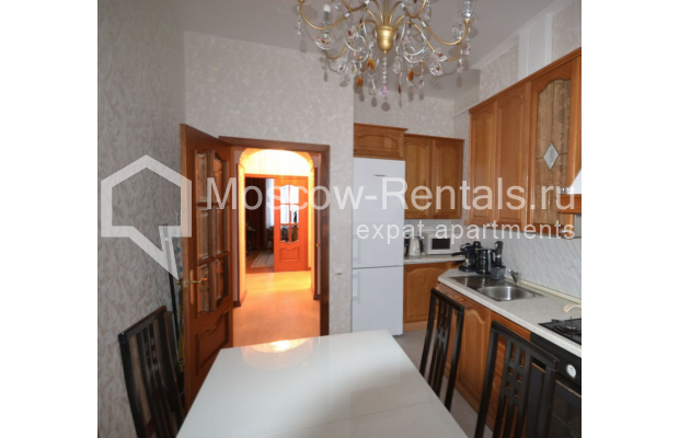 "Photo #8 3-room (2 BR) apartment for <a href=""http://moscow-rentals.ru/en/articles/long-term-rent"" target=""_blank"">a long-term</a> rent  in Russia, Moscow, Sytinskyi lane, 7/14"