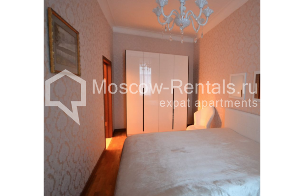 "Photo #12 3-room (2 BR) apartment for <a href=""http://moscow-rentals.ru/en/articles/long-term-rent"" target=""_blank"">a long-term</a> rent  in Russia, Moscow, Sytinskyi lane, 7/14"