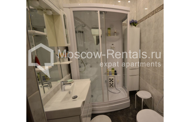 "Photo #15 3-room (2 BR) apartment for <a href=""http://moscow-rentals.ru/en/articles/long-term-rent"" target=""_blank"">a long-term</a> rent  in Russia, Moscow, Sytinskyi lane, 7/14"