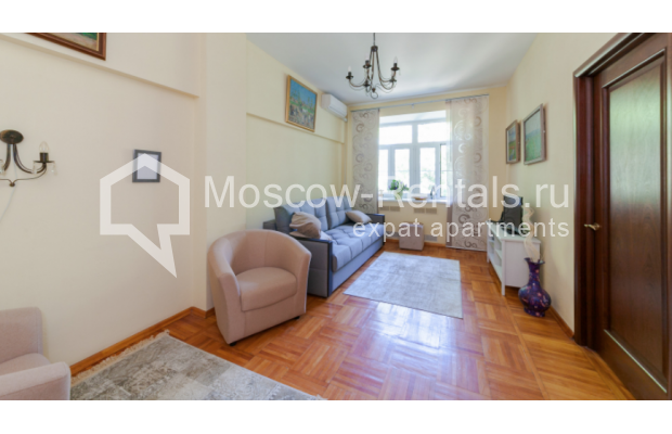 "Photo #2 3-room (2 BR) apartment for <a href=""http://moscow-rentals.ru/en/articles/long-term-rent"" target=""_blank"">a long-term</a> rent  in Russia, Moscow, Trekhprudnyi lane, 6"