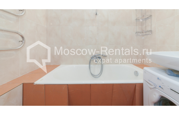 "Photo #9 3-room (2 BR) apartment for <a href=""http://moscow-rentals.ru/en/articles/long-term-rent"" target=""_blank"">a long-term</a> rent  in Russia, Moscow, Trekhprudnyi lane, 6"