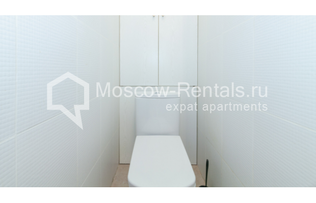 "Photo #10 3-room (2 BR) apartment for <a href=""http://moscow-rentals.ru/en/articles/long-term-rent"" target=""_blank"">a long-term</a> rent  in Russia, Moscow, Trekhprudnyi lane, 6"