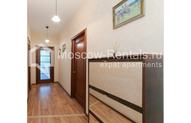 "Photo #12 3-room (2 BR) apartment for <a href=""http://moscow-rentals.ru/en/articles/long-term-rent"" target=""_blank"">a long-term</a> rent  in Russia, Moscow, Trekhprudnyi lane, 6"