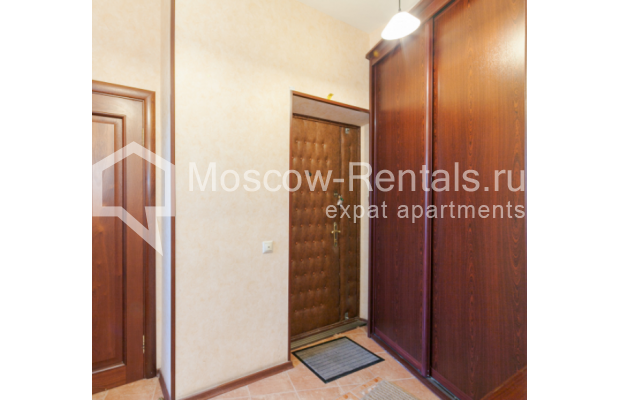 "Photo #13 3-room (2 BR) apartment for <a href=""http://moscow-rentals.ru/en/articles/long-term-rent"" target=""_blank"">a long-term</a> rent  in Russia, Moscow, Trekhprudnyi lane, 6"