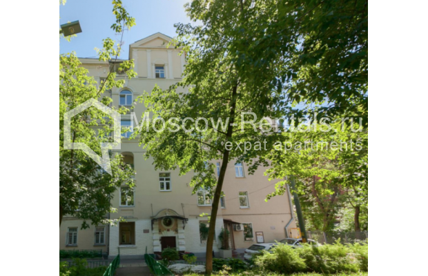"Photo #17 3-room (2 BR) apartment for <a href=""http://moscow-rentals.ru/en/articles/long-term-rent"" target=""_blank"">a long-term</a> rent  in Russia, Moscow, Trekhprudnyi lane, 6"