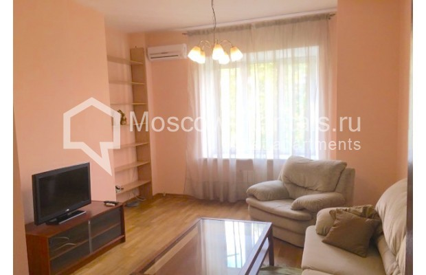 """Photo #1 3-room (2 BR) apartment for <a href=""""http://moscow-rentals.ru/en/articles/long-term-rent"""" target=""""_blank"""">a long-term</a> rent  in Russia, Moscow, Malaya Bronnaya str., 13"""