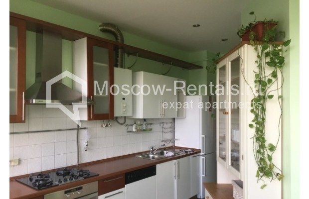"""Photo #3 3-room (2 BR) apartment for <a href=""""http://moscow-rentals.ru/en/articles/long-term-rent"""" target=""""_blank"""">a long-term</a> rent  in Russia, Moscow, Malaya Bronnaya str., 13"""