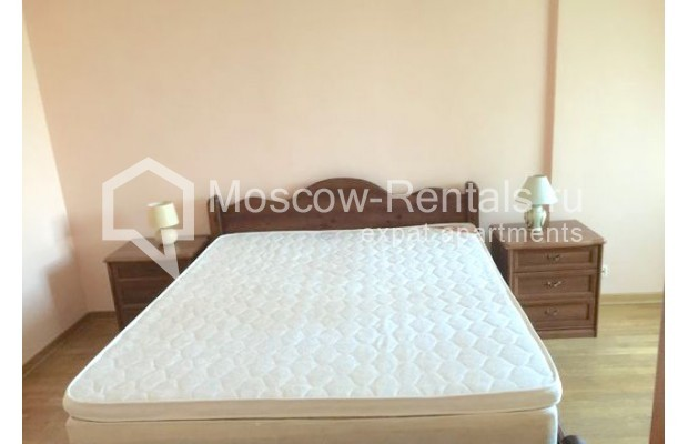"""Photo #4 3-room (2 BR) apartment for <a href=""""http://moscow-rentals.ru/en/articles/long-term-rent"""" target=""""_blank"""">a long-term</a> rent  in Russia, Moscow, Malaya Bronnaya str., 13"""