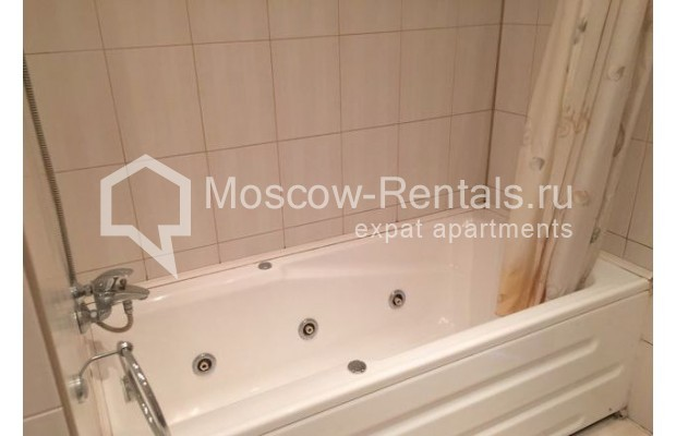 """Photo #9 3-room (2 BR) apartment for <a href=""""http://moscow-rentals.ru/en/articles/long-term-rent"""" target=""""_blank"""">a long-term</a> rent  in Russia, Moscow, Malaya Bronnaya str., 13"""
